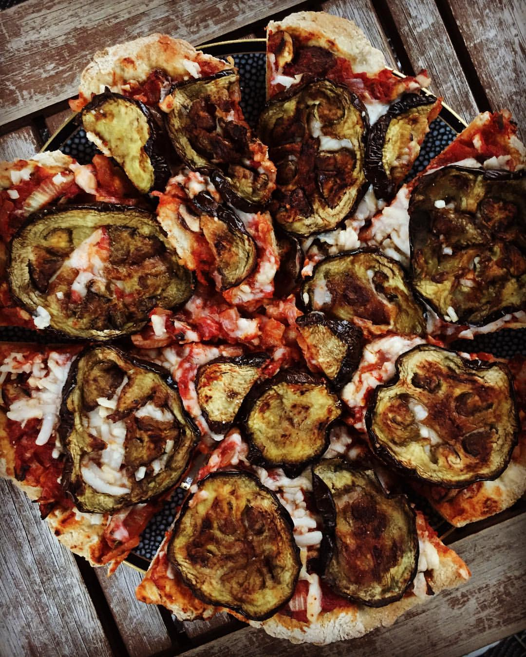 Eggplant pizza vegan